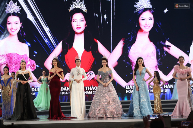 6 Hoa hậu Việt Nam qua nhiều thời kỳ hội tụ trong Chung kết Hoa hậu Việt Nam 2016.