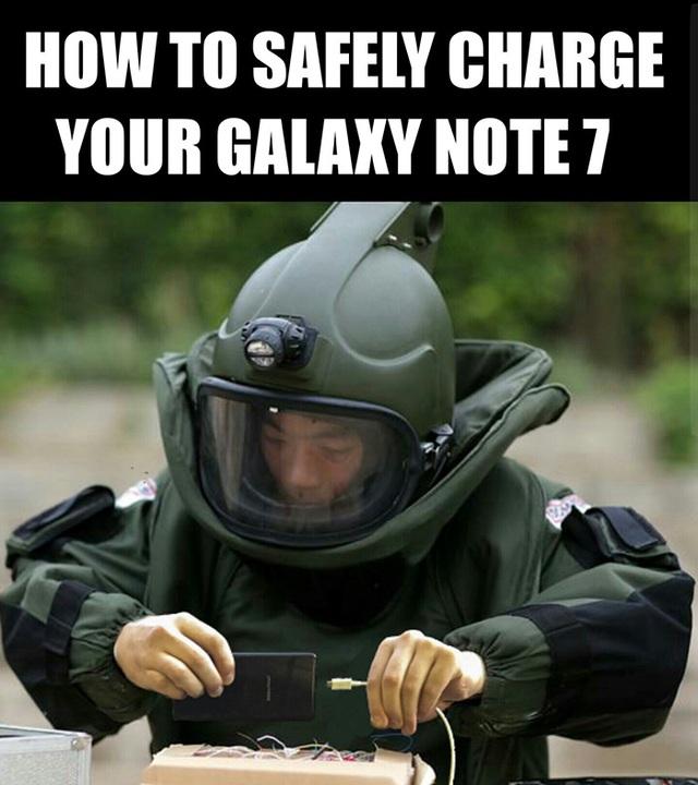 Hoặc để an toàn hơn, hãy mặc đầy đủ đồ bảo hộ như này. Cẩn thận vẫn hơn mà!