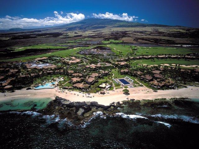 Tỷ phú 51 tuổi rất thích khu resort Hualalai nên năm 2006, ông mua lại toàn bộ khu này gồm khách sạn, khu nghỉ dưỡng, và mọi thứ trừ các căn nhà riêng và sau đó chia cổ phần với tỷ phú Walmart, Rob Walton.