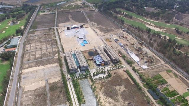 Một phần khu công trường dự án Cocobay Đà Nẵng đang xây dựng nhìn từ trên cao
