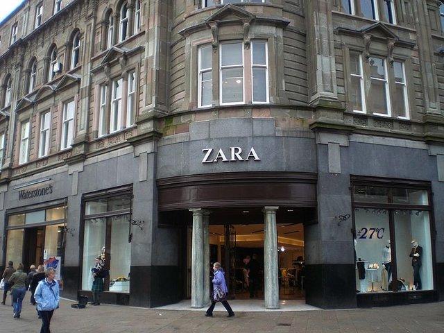 Cùng với vợ cũ, bà Rosalia, Ortega lập ra thương hiệu thời trang Zara vào năm 1975. Ngày nay, Inditex, tập đoàn sở hữu thương hiệu Zara và các thương hiệu nổi tiếng khác như Massimo Dutti và Pull&Bear, đã có 6.600 chi nhánh trên khắp thế giới. Việt Nam cũng vừa được bổ sung vào danh sách thị trường của Inditex.