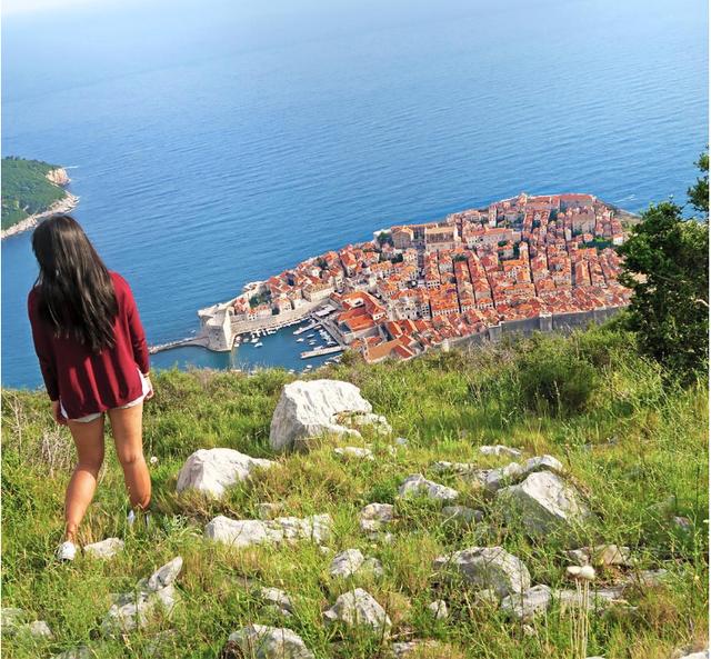 Adalid tại Dubrovnik, Croatia. Ảnh: Twitter NV.