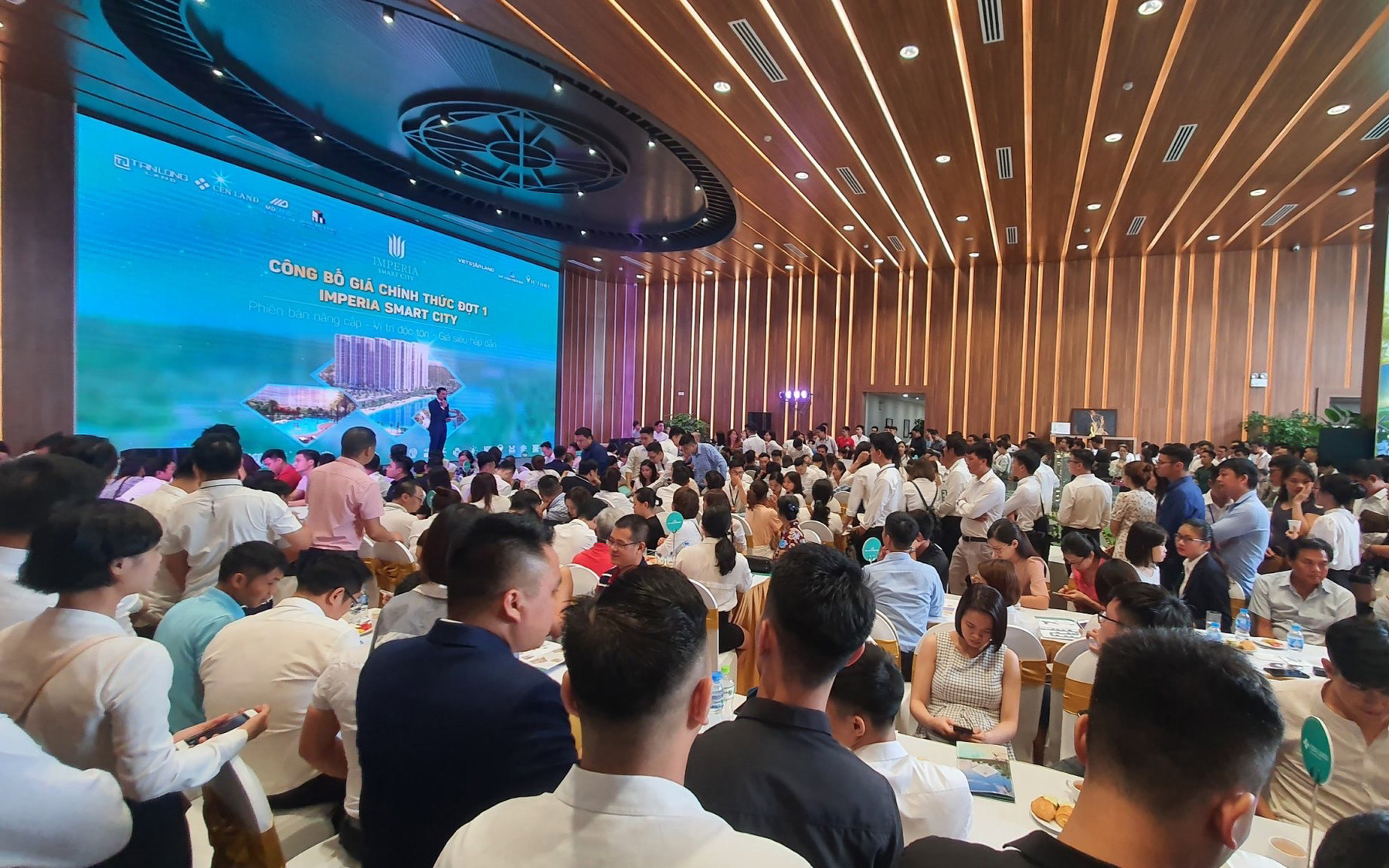 Công bố giá chính thức, Imperia Smart City tạo nên sức hút cho thị trường BĐS phía Tây