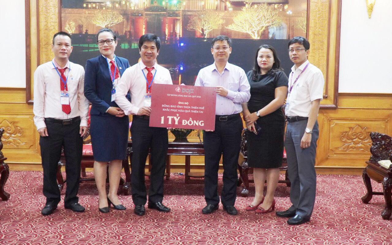 Tập đoàn DOJI ủng hộ 1 tỷ đồng hỗ trợ người dân vùng lũ tỉnh Thừa Thiên - Huế
