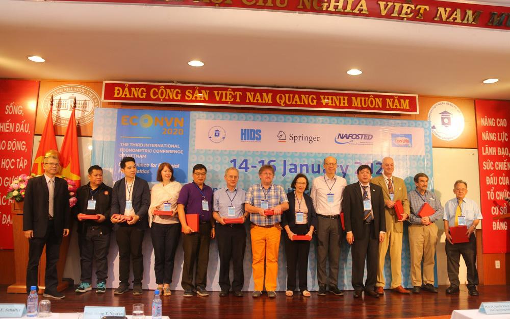 Đại học Ngân hàng TP. Hồ Chí Minh tuyển sinh Thạc sĩ đợt 1 năm 2021