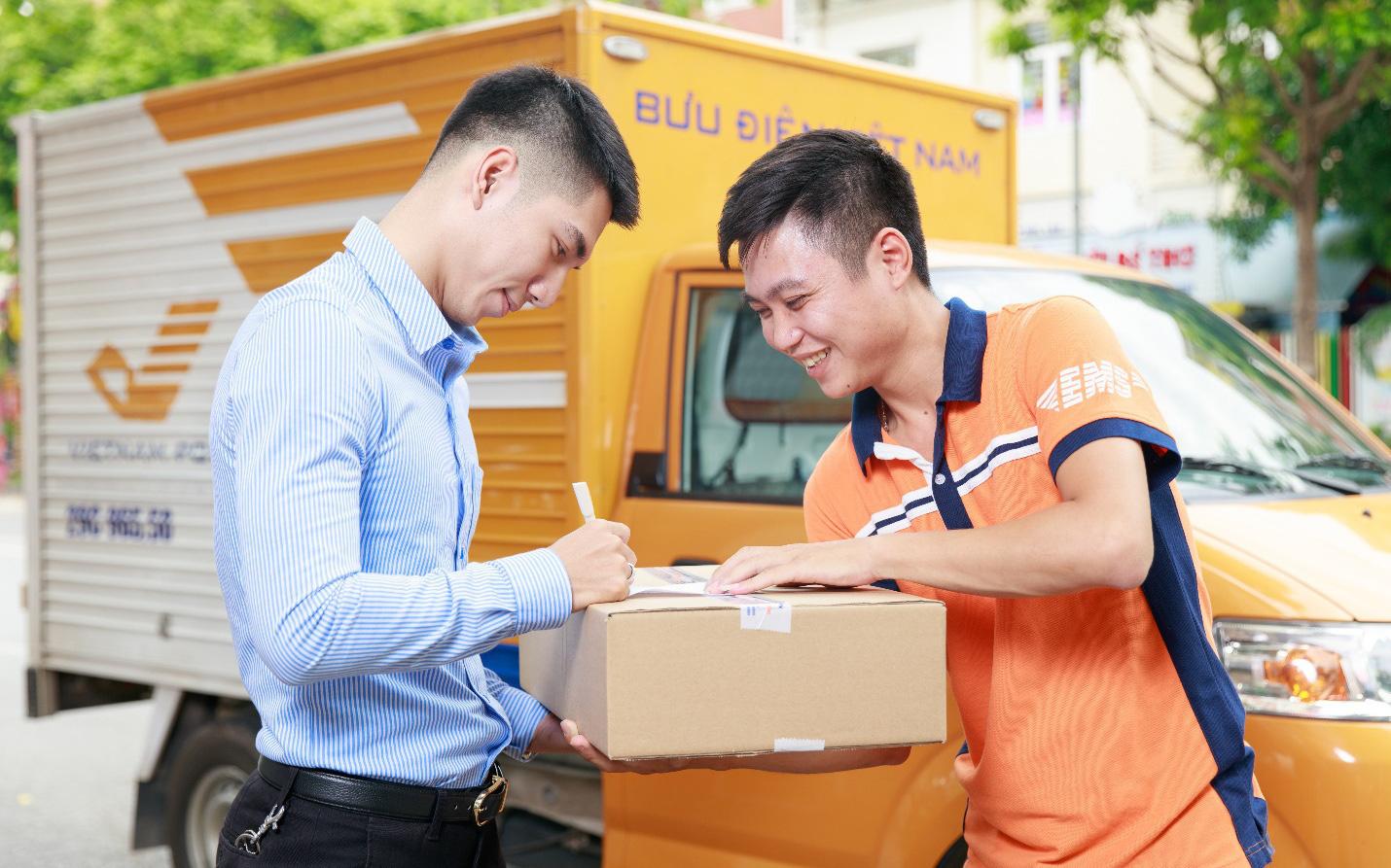 Thỏa sức gửi hàng Tết Tân Sửu qua Bưu điện