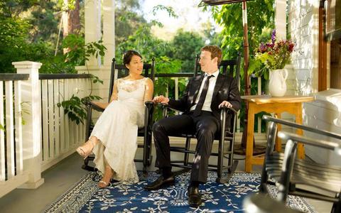 Đều là những ông trùm kinh doanh quyền lực nhất thế giới song đám cưới của họ không hề hoành tráng và xa hoa như bạn nghĩ