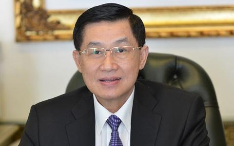 Sau khi góp 30 tỷ chống dịch và hạn mặn, 'Vua hàng hiệu' Johnathan Hạnh Nguyễn tiếp tục miễn phí mặt bằng rộng 5.000m2 làm khu cách ly tập trung
