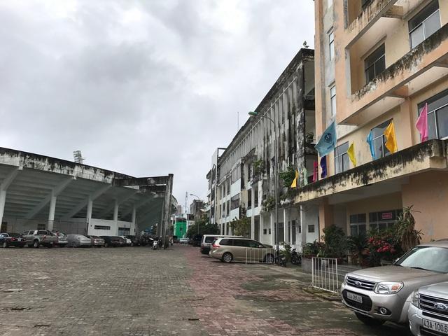 Hiện tại toàn bộ khuôn viên sân vận động được tận dụng cho thuê làm bãi đỗ xe