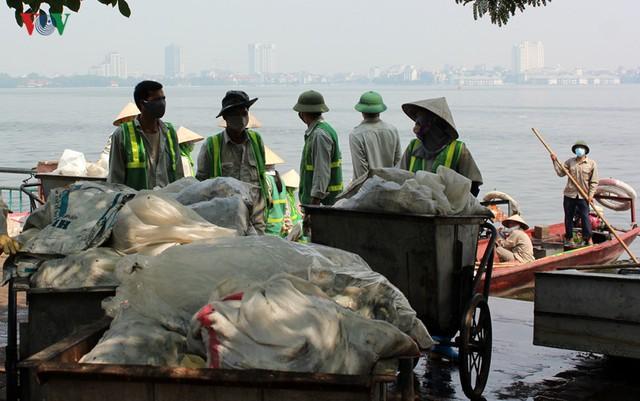 Theo những thống kê ban đầu, số lượng cá vớt và được đem đi tiêu hủy đã hơn 100 tấn.