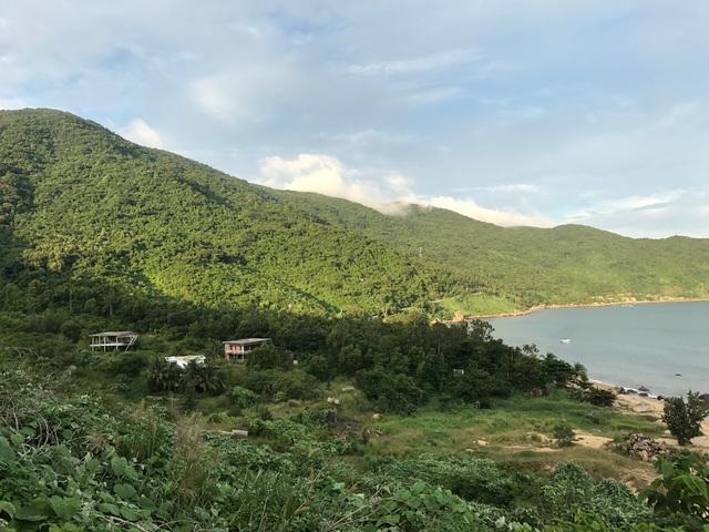 Những hình ảnh trên cho thấy các dự án nghỉ dưỡng trên bán đảo Sơn Trà vẫn bất động