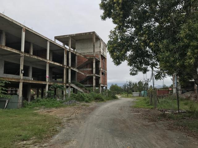 Theo tìm hiểu, chính quyền thành phố Đà Nẵng đang kêu gọi nhà đầu tư mới để cải tạo, hoàn thành dự án này thành nhà ở xã hội.