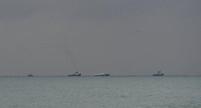 Hoạt động tìm kiếm, cứu hộ ở khu vực máy bay Nga gặp nạn. Ảnh: Sputnik