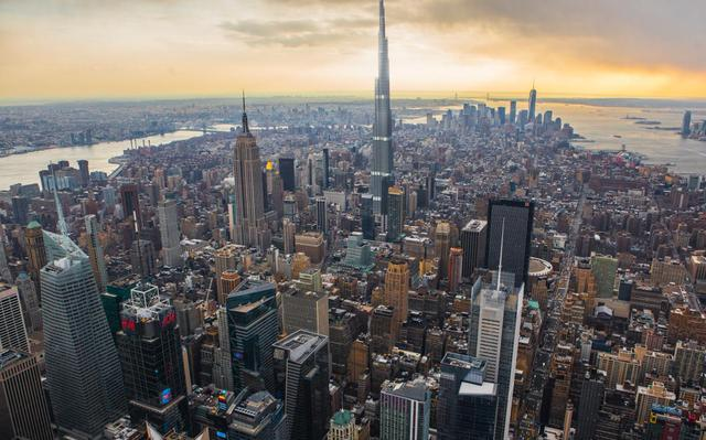 Tòa tháp cao nhất thế giới Burj Khalifa sẽ vượt trội hơn rất nhiều so với những công trình xung quanh nếu nó được đặt ở trung tâm New York, nơi có những công trình lừng danh thế giới như Tòa tháp Trung tâm Thương mại Thế giới mới hay tòa nhà Empire State trứ danh.