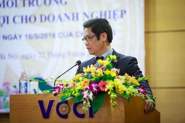 Ông Vũ Tiến Lộc, Chủ tịch VCCI nhận xét, con số 21 tỉnh thành của ngày hôm nay là 21 phát súng đại bác không bắn chỉ thiên. Ảnh: Thành Đạt.