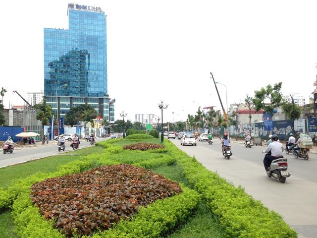 Trục đường Lê Văn Lương nơi dự án tọa lạc.