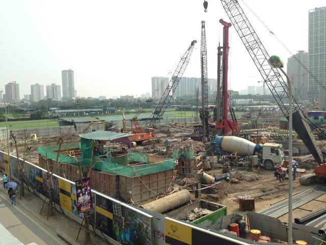 Hiện tại, công trình vẫn đang thi công cọc nhồi và dự kiến sẽ bắt đầu bàn giao các căn hộ từ năm 2018.