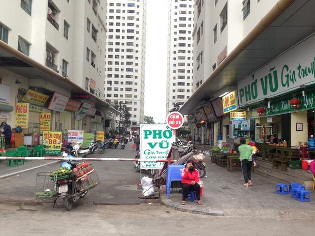 Cảnh lộn xộn ở đô thị Linh Đàm.