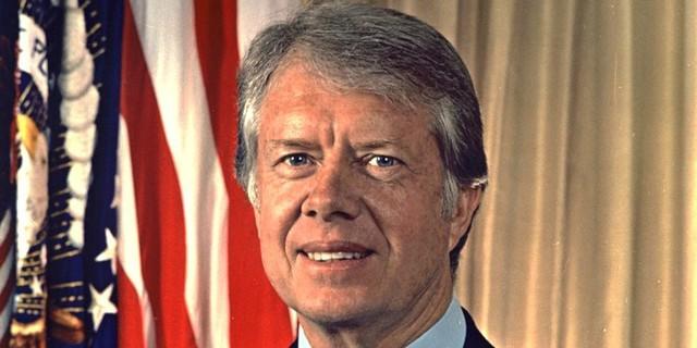 Jimmy Carter, tổng thống thứ 39 của Mỹ, từng làm việc trong một nông trang trồng lạc ở Georgia.