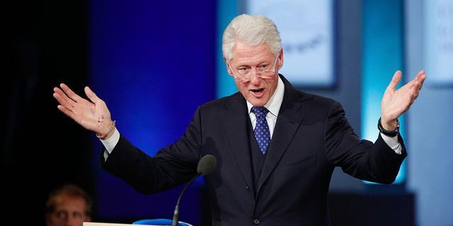 Bill Clinton, Tổng thống thứ 42 của Mỹ, từng là nhân viên bán tạp hóa và bán các quyển truyện tranh.