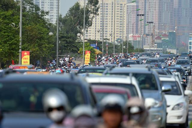 Ùn ứ trên phố Tố Hữu. Nguồn ảnh: Zing News