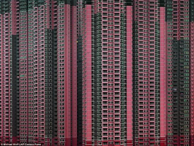 Những tòa cao ốc chọc trời ở Hồng Kông. Ảnh: Camera Press