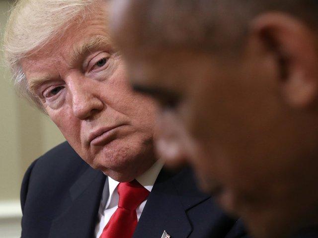 Khoảnh khắc trong cuộc gặp mặt đầu tiên giữa tổng thống mới đắc cử Donald Trump và Tổng thống Obama tại Nhà Trắng. Ảnh: Getty