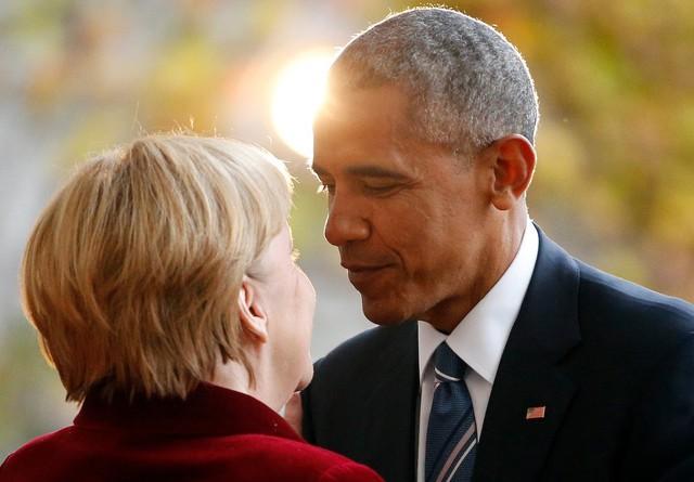 Trong khi các mối quan hệ trên chính trường thế giới là biến số, tình bạn giữa Tổng thống Obama và thủ tướng Merkel thực sự là một trong số ít những hằng số. Tuy nhiên, cũng đã đến lúc Tổng thống Obama phải nói lời tạm biệt với người bạn lâu năm khi nhiệm kỳ tổng thống thứ 2 của ông sẽ kết thúc vào đầu tháng Giêng tới. Ảnh: Reuters