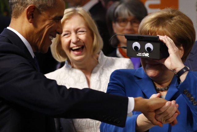 Trong suốt 8 năm qua, ông Obama và bà Merkel đã cùng nhau giải quyết nhiều vấn đề toàn cầu như khủng hoảng tài chính, khủng bố, thúc đẩy thương mại tự do cũng như hiệp ước quốc tế về biến đổi khí hậu. Mối quan hệ giữa hai nhà lãnh đạo Mỹ - Đức được coi là hiếm thấy. Ảnh: Reuters