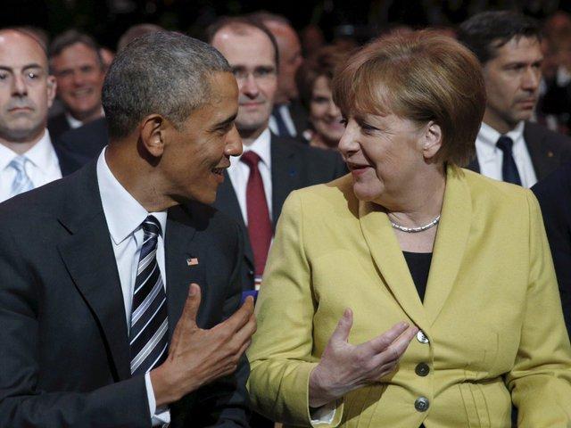 """Là đồng minh, Đức sẽ tiếp tục hợp tác chặt chẽ với chính quyền mới của Mỹ. Nói về 8 năm đã qua, bà Merkel chia sẻ: """"Thật vui khi Tổng thống Mỹ nói rằng mối quan hệ giữa hai nước phát triển dựa trên tình bạn"""". Ảnh: Reuters"""