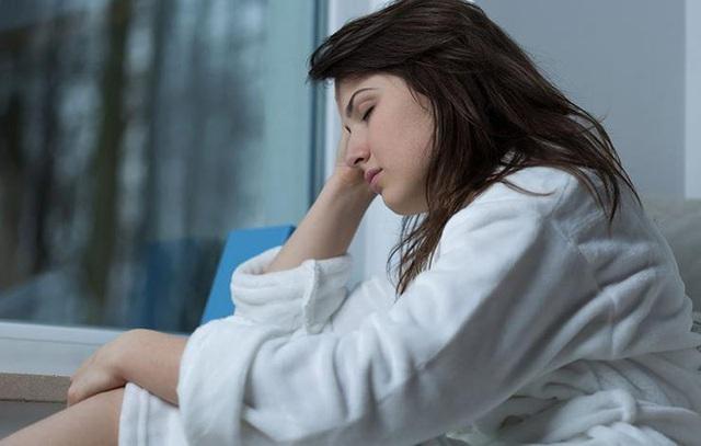 Mệt mỏi là triệu chứng chúng ta thấy thường xuyên nhất. Ảnh minh họa