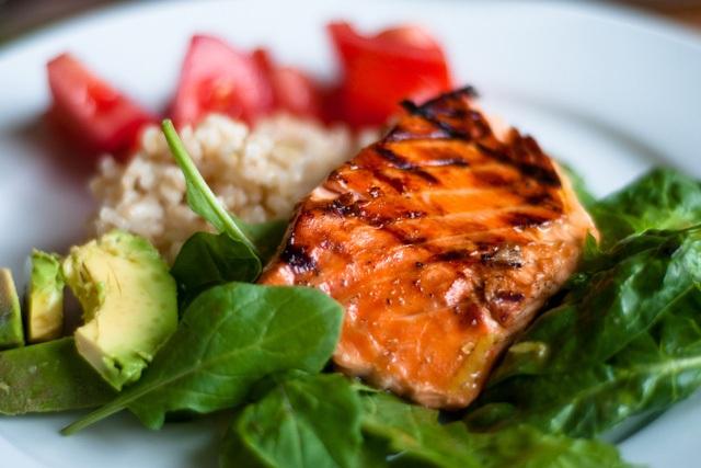 Mỗi tuần, chúng ta nên ăn 2 bữa có cá