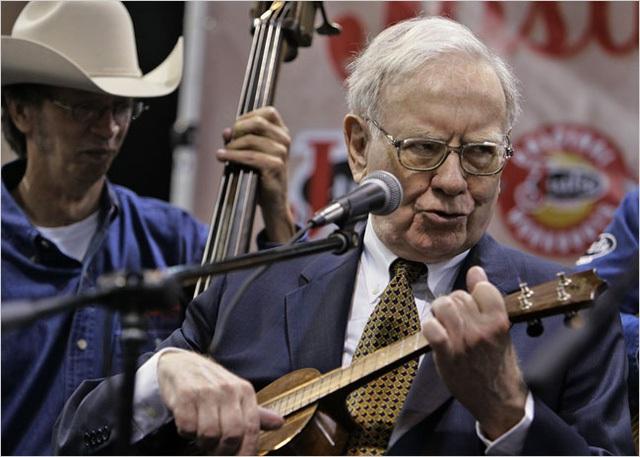 Warren Buffett là một người có rất nhiều việc, thế nhưng ông hoàn thành tất cả mọi thứ và chúng không làm ảnh hưởng tới những thứ khác của ông.