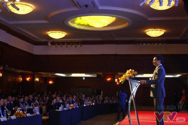 Phó Thủ tướng Vũ Đức Đam đã có phần chia sẻ như cởi nút thắt cho những khó khăn của giới start-up