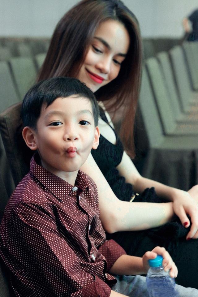 Với Hồ Ngọc Hà, con trai là niềm an ủi tinh thần lớn nhất trong cuộc đời.