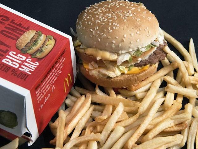 Món bánh kẹp Big Mac với 3 lát bánh mỳ. (Nguồn: independent.co.uk)
