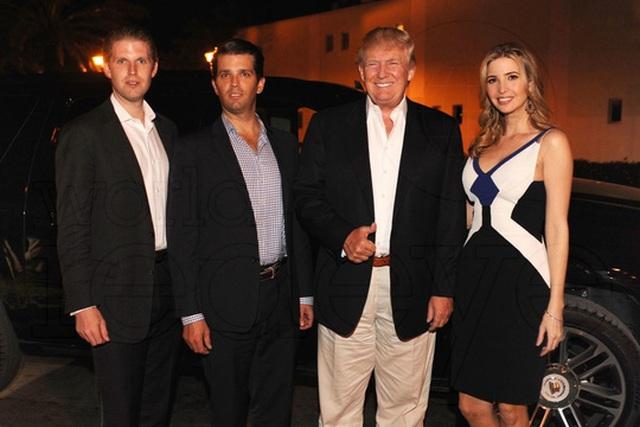 Ông Trump và 3 người con của mình. Ảnh: Worldredeye