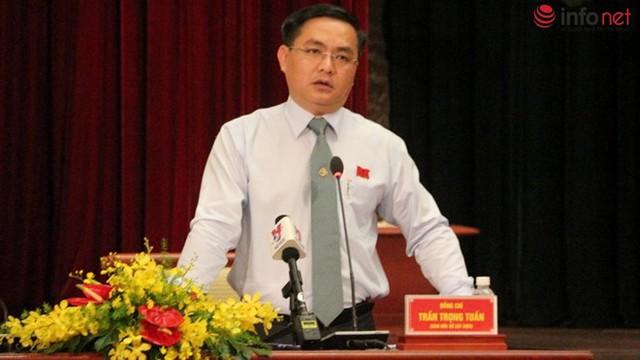 Ông Trần Trọng Tuấn trả lời chất vấn.