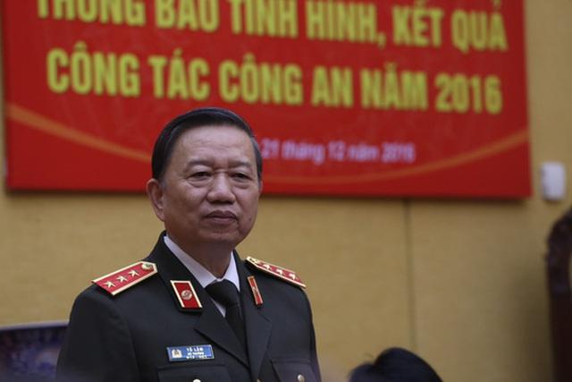 Bộ trưởng Công an Tô Lâm trả lời tại buổi họp báo chiều 21-12