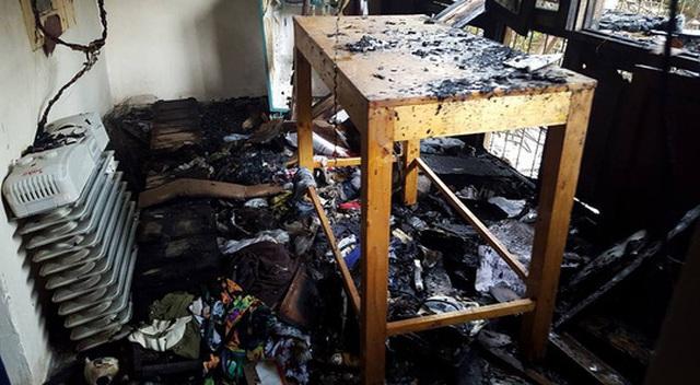 Nhiều đồ đạc trong căn nhà bị cháy bị thiêu rụi