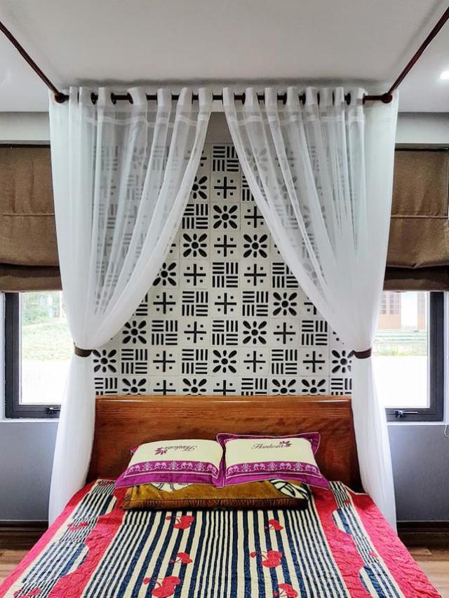 Những viên gạch hoa thông gió phát huy hiệu quả trang trí trong phòng ngủ.