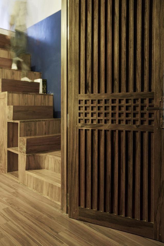 Chất liệu gỗ mộc sáng màu sáng tạo nên sự mộc mạc, ấm áp cho không gian.