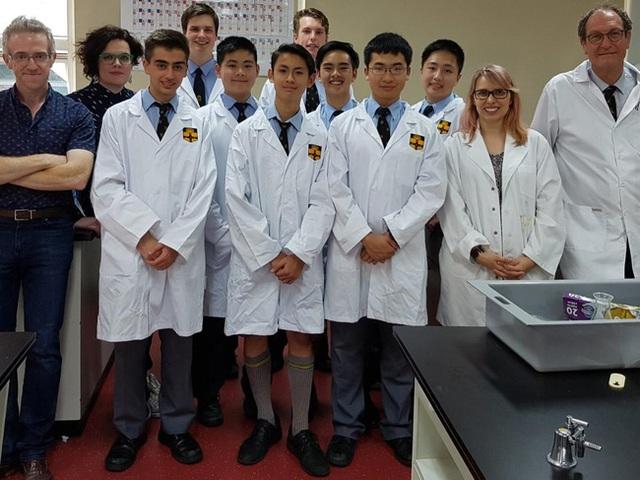 Nhóm học sinh người Úc điều chế thành công Daraprim với giá chỉ $2