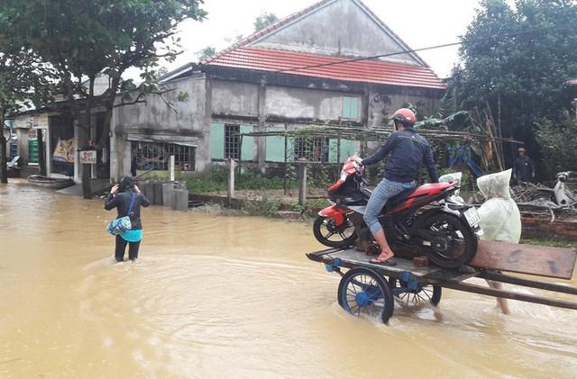 Con đường độc đạo vào thông Đông Bình, xã Duy Vinh (Duy Xuyên, Quảng Nam) đã bị chia cắt