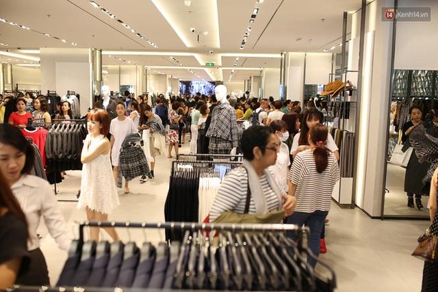 Quản lý Zara Việt Nam bất ngờ vì lượng khách đông ngoài sức tưởng tượng - Ảnh 3.
