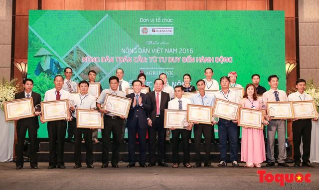 24 nông dân Việt Nam xuất sắc được tôn vinh.