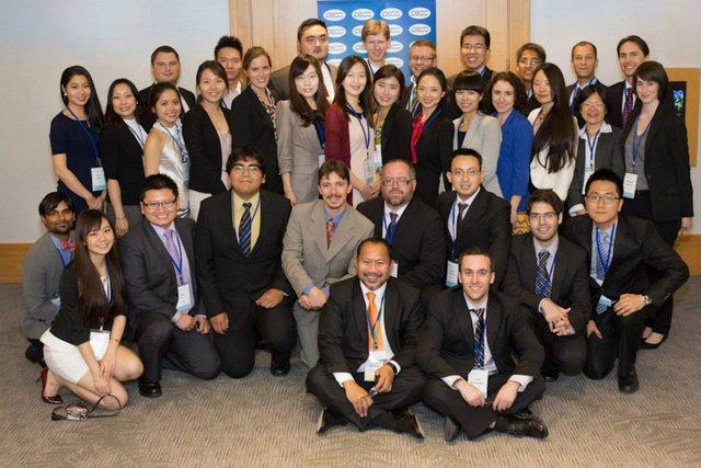 Hương và các bạn từ các nước trong khối PECC tham dự hội thảo thường niên của khối tại Vancouver, Canada. Ảnh: NVCC