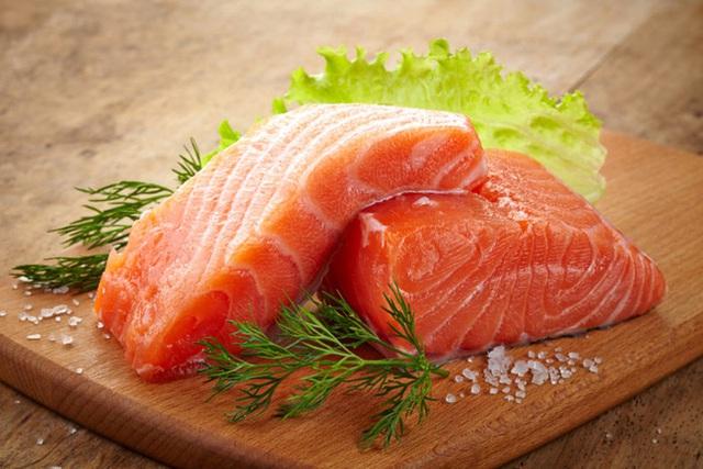Vitamin B3 có rất nhiều trong cá hồi nhé các chế