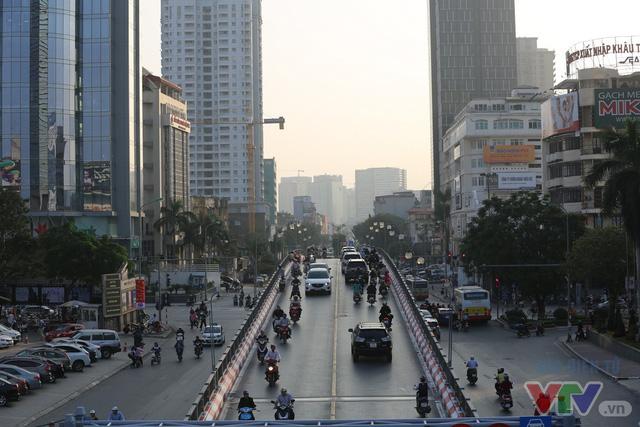 Tuy nhiên, lãnh đạo Sở GTVT Hà Nội và các đơn vị liên quan vẫn khẳng định, BRT sẽ là một trong những giải pháp để giảm tải ùn tắc ở những tuyến đường thường xảy ra ùn tắc.