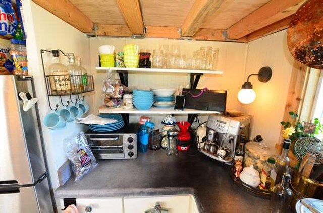 Bí quyết duy nhất giúp cặp vợ chồng sống thoải mái trong ngôi nhà nhỏ chính là giữ cho mọi không gian sạch sẽ, gọn gàng ngăn nắp và sắp xếp khoa học.